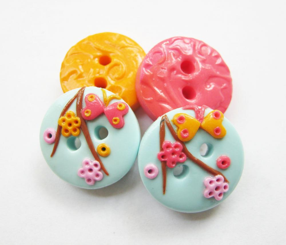 Flowers - set of 4 polymer clay buttons