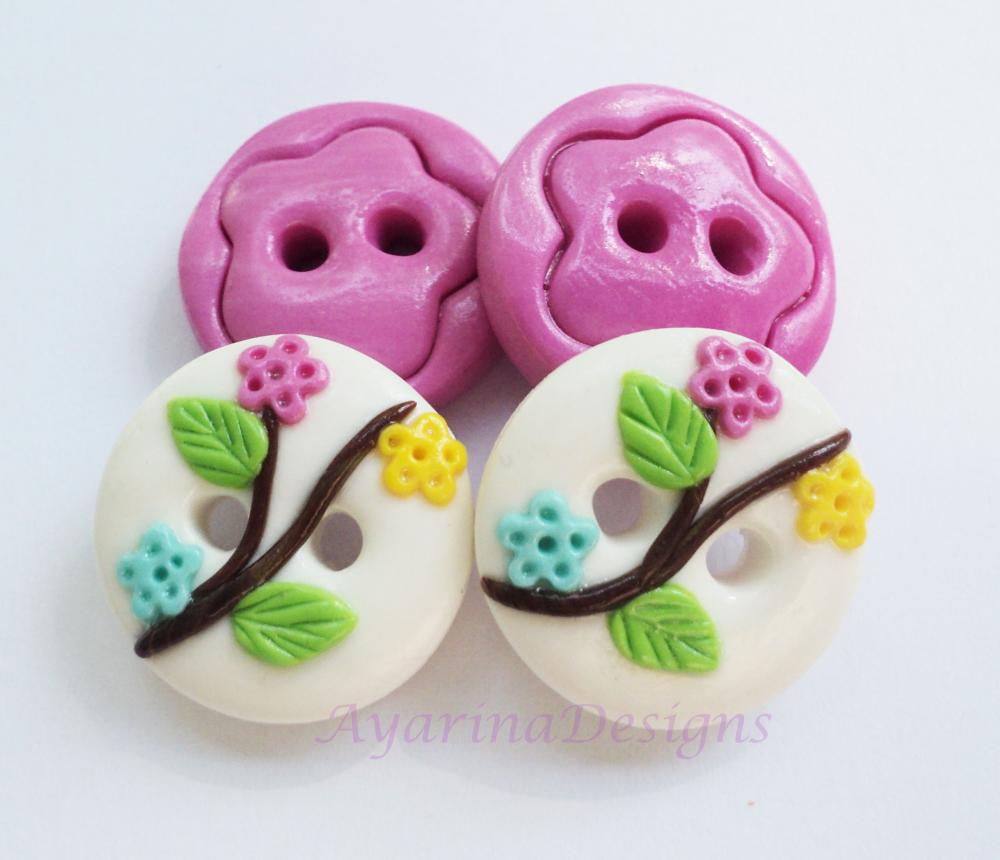 "Flower branch - set of 4 polymer clay buttons ( 3/4"")"